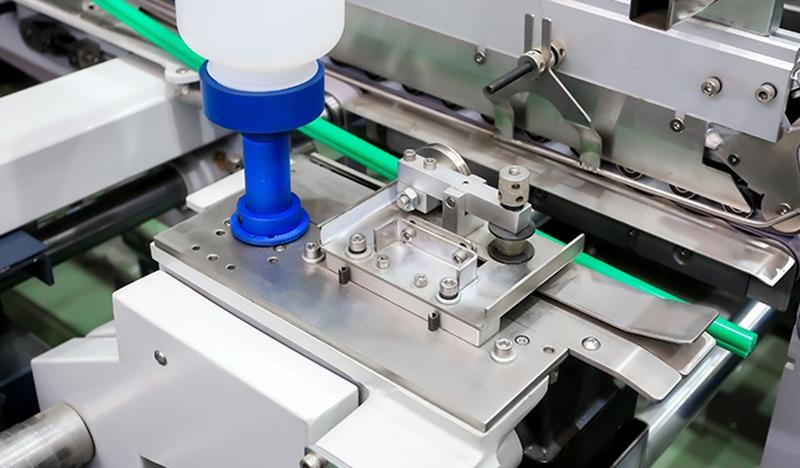 全自动糊盒机厂家:糊盒机机器设备有益于包装行业发展